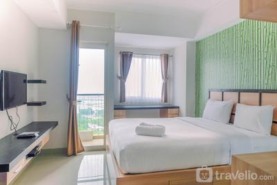 Japanese Style Studio Apartment at The Oasis Cikarang By Travelio
