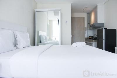 Central Jakarta Minimalist Studio Apartment at Elpis Residence By Travelio