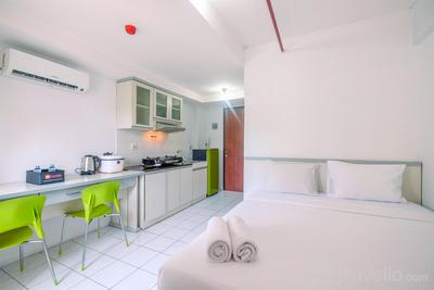 Comfortable Living Studio Room at Kebagusan City Apartment By Travelio