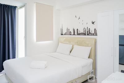 Beautiful and Comfy Studio at Silk Town Apartment By Travelio