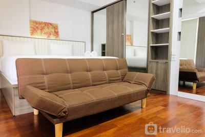 Nice 1BR at Casa De Parco Apartment By Travelio