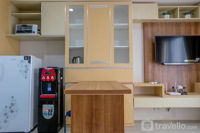 Best Price 2BR Apartment at Breeze Bintaro Plaza Residences By Travelio