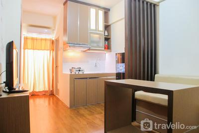 Cozy 1BR + 1 at Kemang View Apartment Bekasi By Travelio