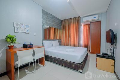 Vintage Studio Apartment at Nifarro Park By Travelio