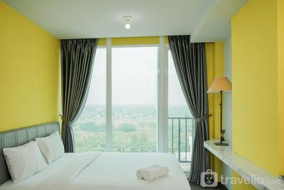 Studio Apartment with City View at Tree Park By Travelio