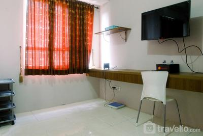 Comfortable 1BR Taman Melati Margonda Apartment By Travelio