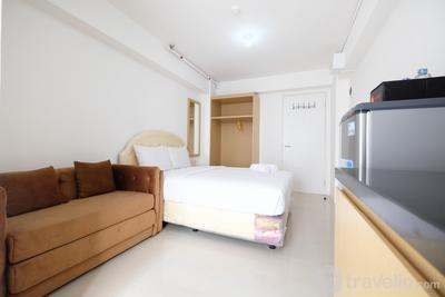 Affordable Studio with Sofa Bed at Bassura City Apartment By Travelio