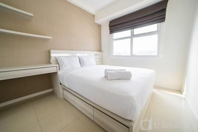 Cozy 1BR Apartment @ Parahyangan Residence By Travelio