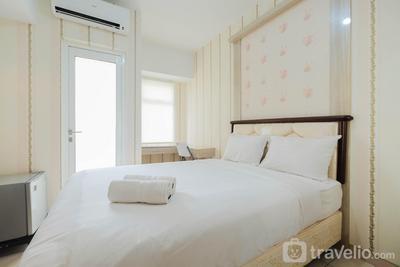 Modern Relaxing Studio The Springlake Summarecon Apartment By Travelio