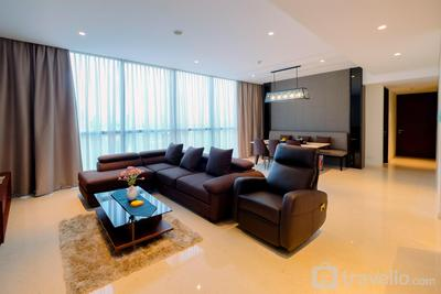 Classy 2BR Casa Domaine Apartment with Maid Room By Travelio