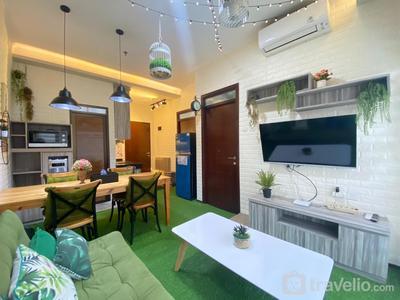 Pretentious 2BR Corner Apartment at Gateway Pasteur near Exit Toll By Travelio