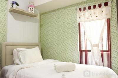 Spacious & Stylish 1BR Gateway Ahmad Yani Cicadas Apartment By Travelio