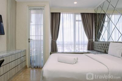Strategic and Minimalist Studio at Menteng Park Apartment By Travelio