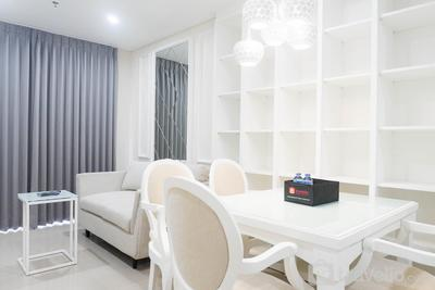 Spacious 1BR Apartment at Praxis By Travelio