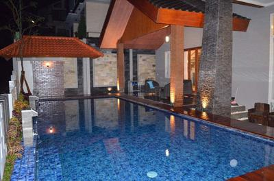 Spacious And Luxury Villa Kusuma Pinus R07