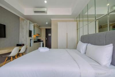 Modern and Comfy Studio at Menteng Park Apartment By Travelio