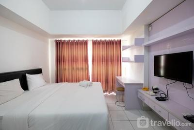Minimalist Studio Room Casa De Parco Apartment By Travelio