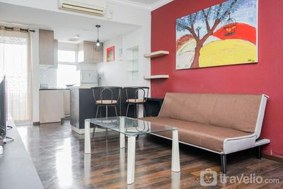 Comfy and Simply 2BR Great Western Resort Apartment By Travelio