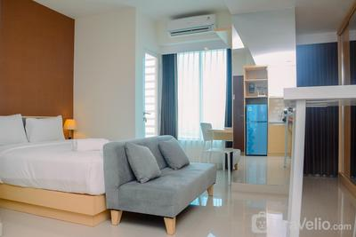 Grand Kamala Lagoon Studio Apartment with Modern Interior By Travelio