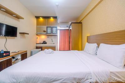 Cozy and Simple Living Studio Apartment at Cinere Resort By Travelio
