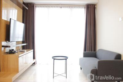 Deluxe & Cozy 2BR Apartment at Landmark Residence By Travelio