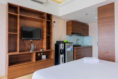 Trendy and Convenient Studio Bintaro Plaza Apartment By Travelio