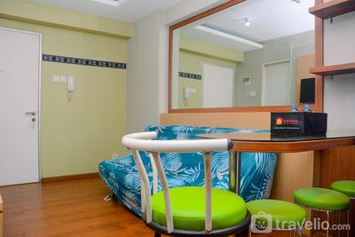 Beautiful 2BR with Direct Access to Pool Green Bay Apartment By Travelio