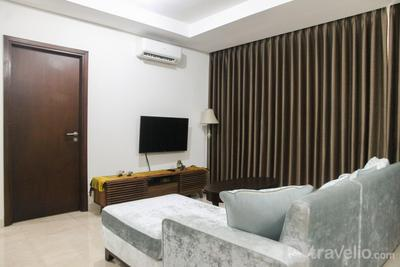 Best and Stylish 3BR with Balcony L'avenue Apartment By Travelio