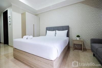 Minimalist Studio Menteng Park Apartment By Travelio