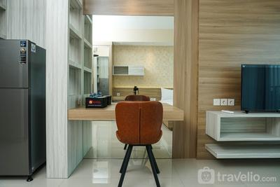 Cozy Studio Apartment at Nine Residence connected to Mall By Travelio