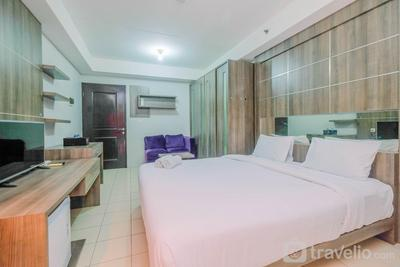 Elegant Studio Apartment @ Metropark Condominium Jababeka By Travelio