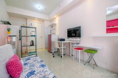 Modern and Comfort Stay @ Studio Pakubuwono Terrace Apartment By Travelio