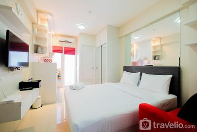 Nice Studio at Green Pramuka Apartment By Travelio