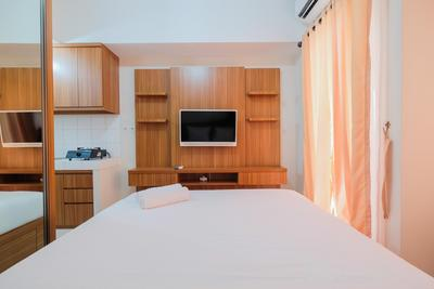 Comfy Studio Apartment at The Springlake Summarecon Bekasi By Travelio