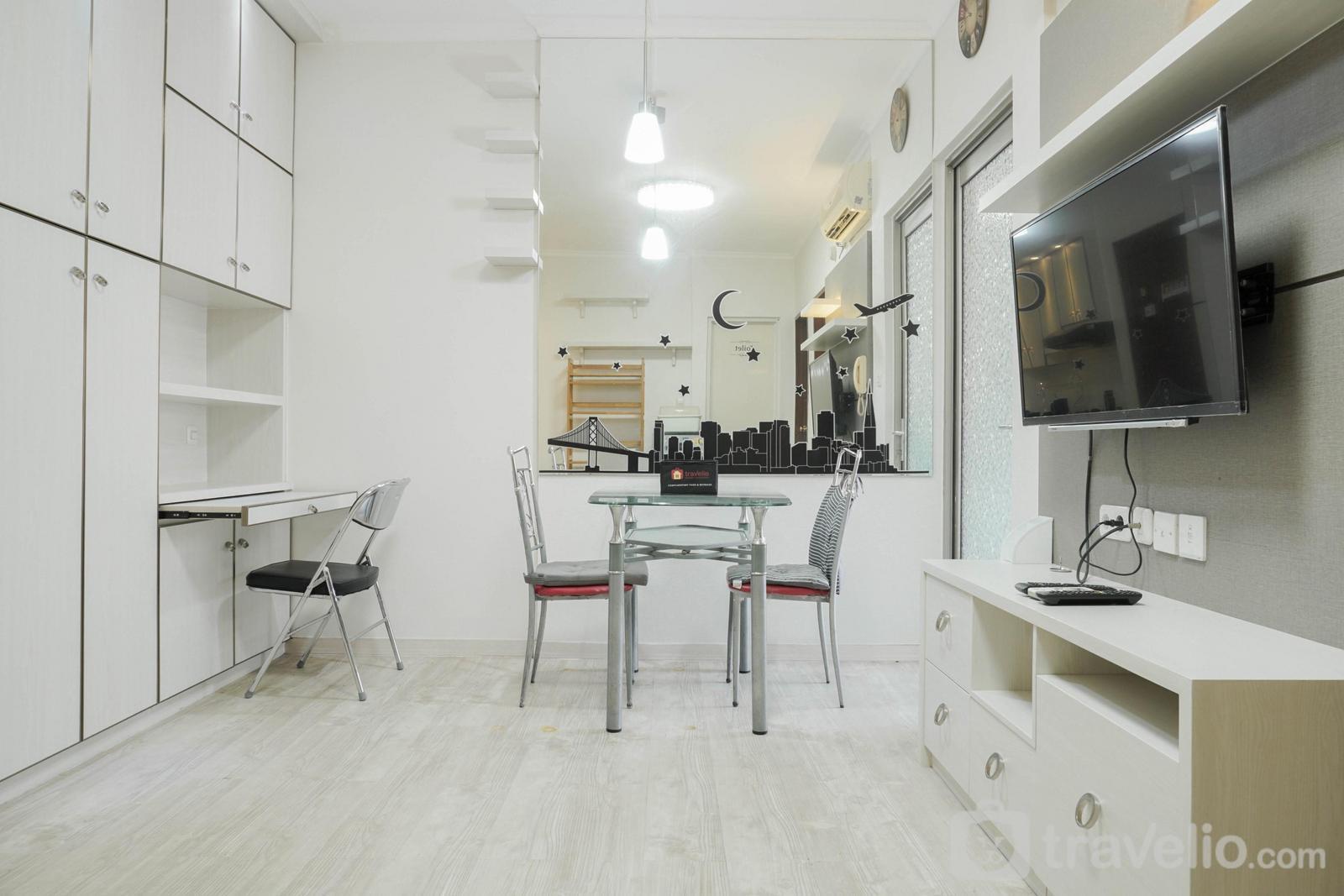Apartemen Mediterania Garden Residence 1 - Comfy 2BR Apartment at Mediterania Garden Residence 1 By Travelio