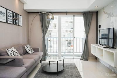 Fancy and Fabulous 2BR at Casa De Parco Apartment By Travelio