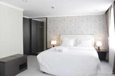 Spacious Studio Room at The Jarrdin Cihampelas Apartment By Travelio