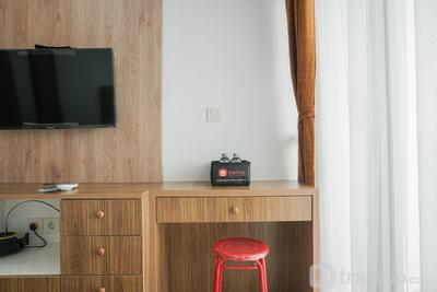 Cozy Stay Studio at The Nest Apartment near Puri By Travelio