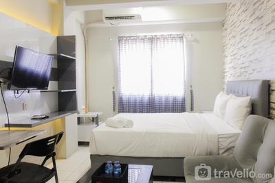 Nice and Cozy Studio City Park Apartment By Travelio