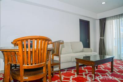 Comfy and Beautiful 1BR at Tamansari The Hive Apartment By Travelio