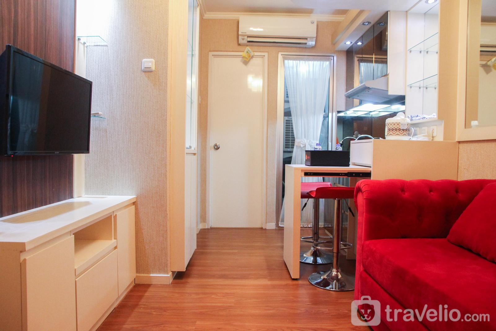 Green Palace Kalibata - Modern 2BR Green Palace Kalibata City Apartment By Travelio