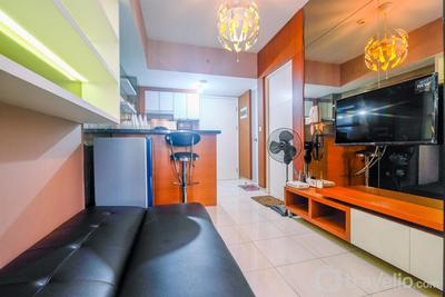 Modern 2BR Apartment for 4 Pax at Springlake Summarecon By Travelio
