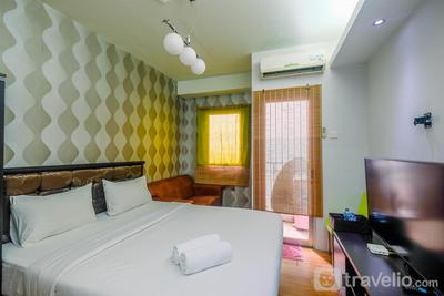 Comfy and Minimalist Studio at Pakubuwono Terrace Apartment By Travelio