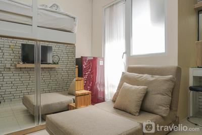 Comfy and Beautiful Studio Green Pramuka Apartment By Travelio