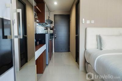 Modern Studio Apartment at Tamansari Papilio By Travelio
