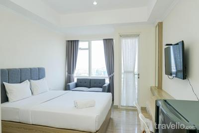 Cozy and Furnished Studio at Menteng Park Apartment By Travelio