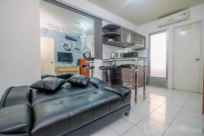 Cozy and Fully Funished 2BR Kalibata City Apartment By Travelio
