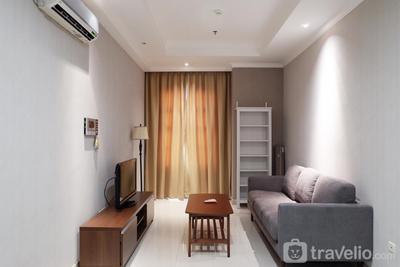 Luxury 1BR Bellezza Apartement By Travelio