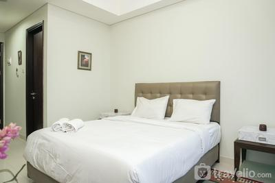 Exclusive and Cozy Studio Puri Mansion Apartment By Travelio