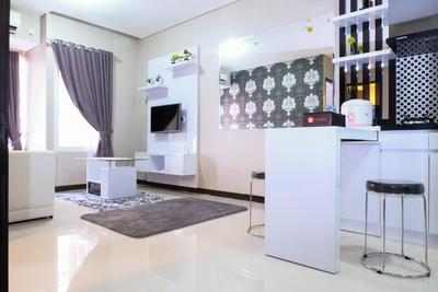 2 BR Nifarro Park Apartment Near Kemang And Kalibata By Travelio